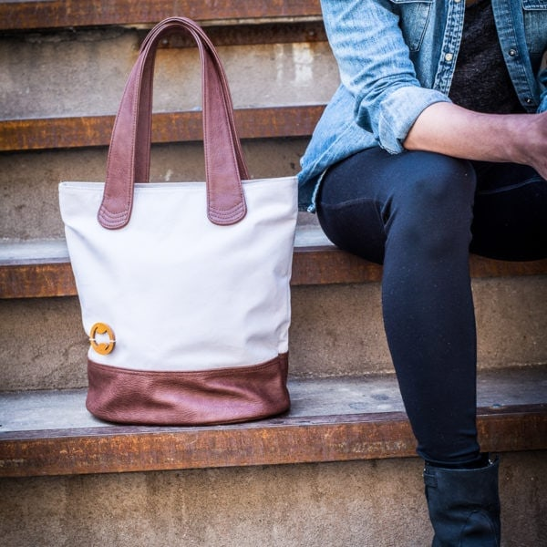 Vegan tote with organic cotton canvas
