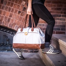 doctor's bag weekender in gray and brown vegan leather| @canopyverde