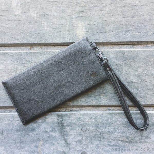 wallet clutch in vegan leather