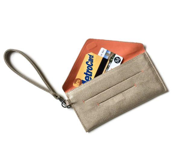 wristlet wallet in vegan leather